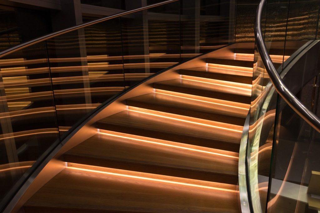 עלייה במדרגות